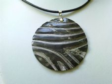 Blacklip carved pendant necklace